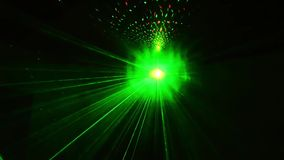 Laser-Disco beleuchtet bunte Punkte stock video footage