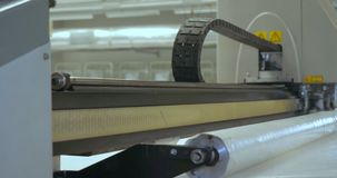 Laser especial que corta la tela almacen de video
