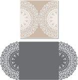 Laser klippte kuvertmallen för inbjudanbröllopkort Arkivfoton