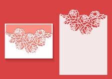 Laser klippte kuvertmallen för inbjudanbröllopkort Det pappers- hälsningkortet med snör åt gränsen Arkivbild