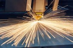 Laser of plasma scherpe technologie van vlak bladmetaal royalty-vrije stock afbeeldingen