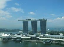 Laser-show av Singapore Marina Bay Sand och trädgård vid fjärden Arkivfoto