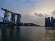 Laser-Show von Singapur Marina Bay Sand und Garten durch die Bucht Lizenzfreie Stockfotos