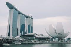 Laser-Show von Singapur Marina Bay Sand und Garten durch die Bucht Stockbilder