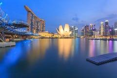 Laser-Show von Singapur Marina Bay Sand und Garten durch die Bucht singapur Stockfotos
