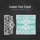 Laser-snittkort Mall för laser-klipp Utklippillustration med abstrakt garnering Stansat gifta sig inbjudan Arkivbild