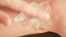Laser-Tätowierungsabbaukonzept Narben nach dem Abbauverfahren Abschluss oben stock video