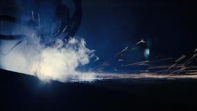 Laserknipsel van metaalblad stock video