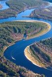 Lasowa rzeka w jesieni, odgórny widok Fotografia Royalty Free