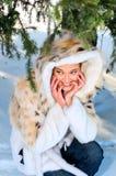 lasowej dziewczyny ładna zima obrazy stock