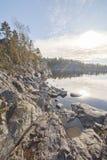 Lasowy jezioro niebieska spowodowana pola pełne się chmura dzień zielonych roślin krajobrazu ruchu pokaz mały nie niebo było psze Zdjęcie Stock