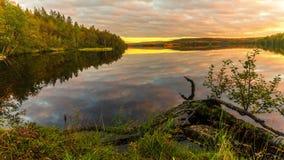 Lasowy jezioro przy zmierzchem Podołki zdjęcie wideo