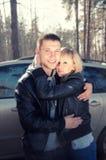 lasowy pary przytulenie Zdjęcia Royalty Free
