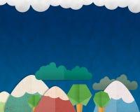 Lasowy wzgórze i kolorowa góra na niebieskiego nieba tle, papier Fotografia Stock