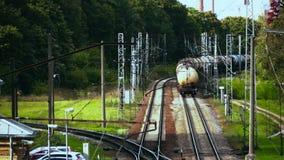Lassen der Güterzugzusammensetzung Geschossen von oben stock video footage