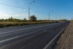 Lassen Sie die Länge von szenischen Spuren im Land Lizenzfreie Stockfotografie