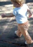 Lassen Sie Schätzchen-Lack-Läufer laufen Stockfotos