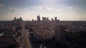 Lasso di tempo aereo delle vie centrali di Varsavia, Polonia stock footage