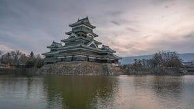 Lasso di tempo di alba del castello del Giappone Matsumoto 4k stock footage