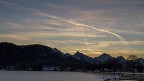 Lasso di tempo alpino di tramonto archivi video