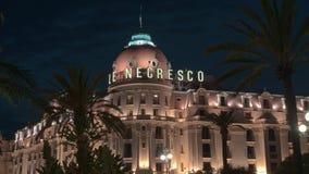 Lasso di tempo bloccato dell'hotel di Negresco e del casinò famosi in Nizza, Francia alla notte archivi video