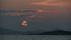 Lasso di tempo costiero di tramonto video d archivio