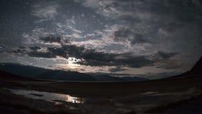 Lasso di tempo del parco nazionale di Death Valley degli appartamenti del sale del bacino di Badwater video d archivio