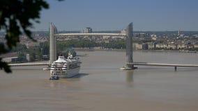 Lasso di tempo del ponte di ascensore e della barca archivi video