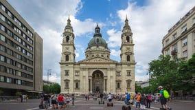 Lasso di tempo della basilica di St Stephen nella città di Budapest, Ungheria archivi video
