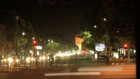 Lasso di tempo dello scorrevole di sera di Arc de Triomphe video d archivio