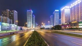 Lasso di tempo di traffico occupato a WUHAN alla notte stock footage