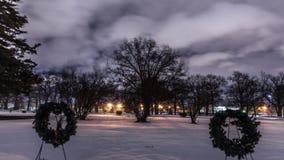 Lasso di tempo nuvoloso in cimitero video d archivio