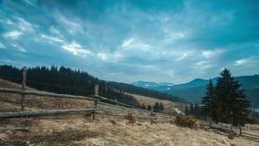 Lasso di tempo perfetto del paesaggio della montagna stock footage