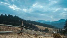 Lasso di tempo perfetto del paesaggio della montagna video d archivio