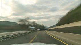 Lasso di tempo di un azionamento sull'autostrada tedesca più lunga A7 sul sito fra Fulda e Cassel video d archivio