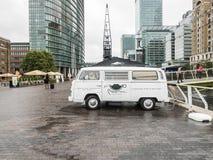 Lastbil för mat för berättelser för mussvanskaffe, hamnkvarter, London Arkivfoto