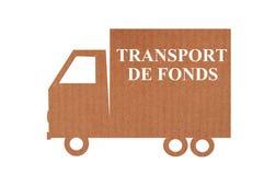 Lastbil för pappkassatrans. arkivfoto