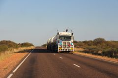 Lastbil för vägdrev fotografering för bildbyråer