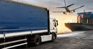 Lastbil, flygplan och lastfartyg som är klara att starta att leverera Royaltyfri Fotografi