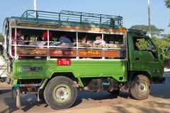Lastbil i Myanmar Royaltyfria Bilder