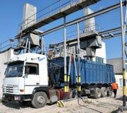 Lastbil och laboratorium av Sugar Raw Arkivbild
