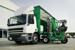 Lastbil och leverans Arkivbild