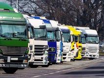 Lastbilar på en rastplartz Royaltyfria Foton