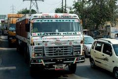 Lastbilen i Indien Fotografering för Bildbyråer