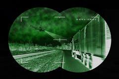 Lastbiljakt - sikt från nightvision royaltyfria bilder