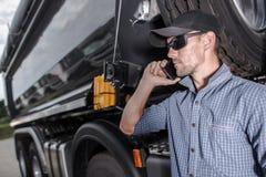 Lastbilsförare Making Business royaltyfria foton