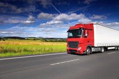 Lastbiltrans. på vägen Royaltyfri Foto