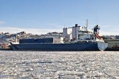 Lastfartyg. Fotografering för Bildbyråer