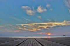 Lastfartyg på horisonten Fotografering för Bildbyråer