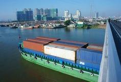 Lastfartyg sändnings, logistik, service, Ho Chi Minh City, tra Arkivbilder